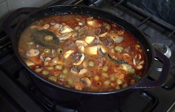 Sauce aux olives et champignons